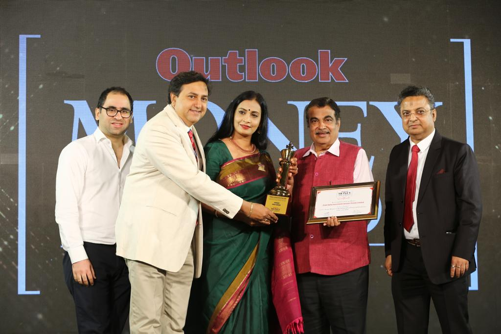 Outlook Money Award 2018 -PeakAlpha